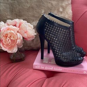 Michael Kors Graham cage bootie in black, sz. 10